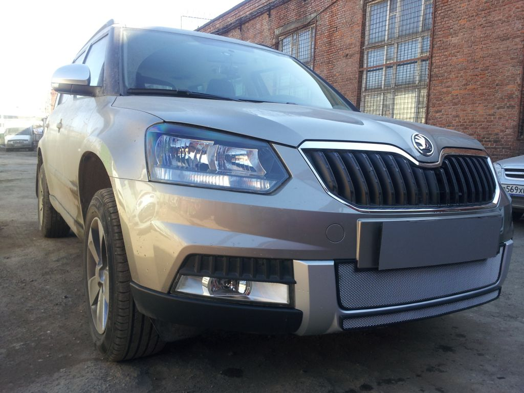 Защита радиатора Skoda Yeti Outdoor 2014- chrome центральная
