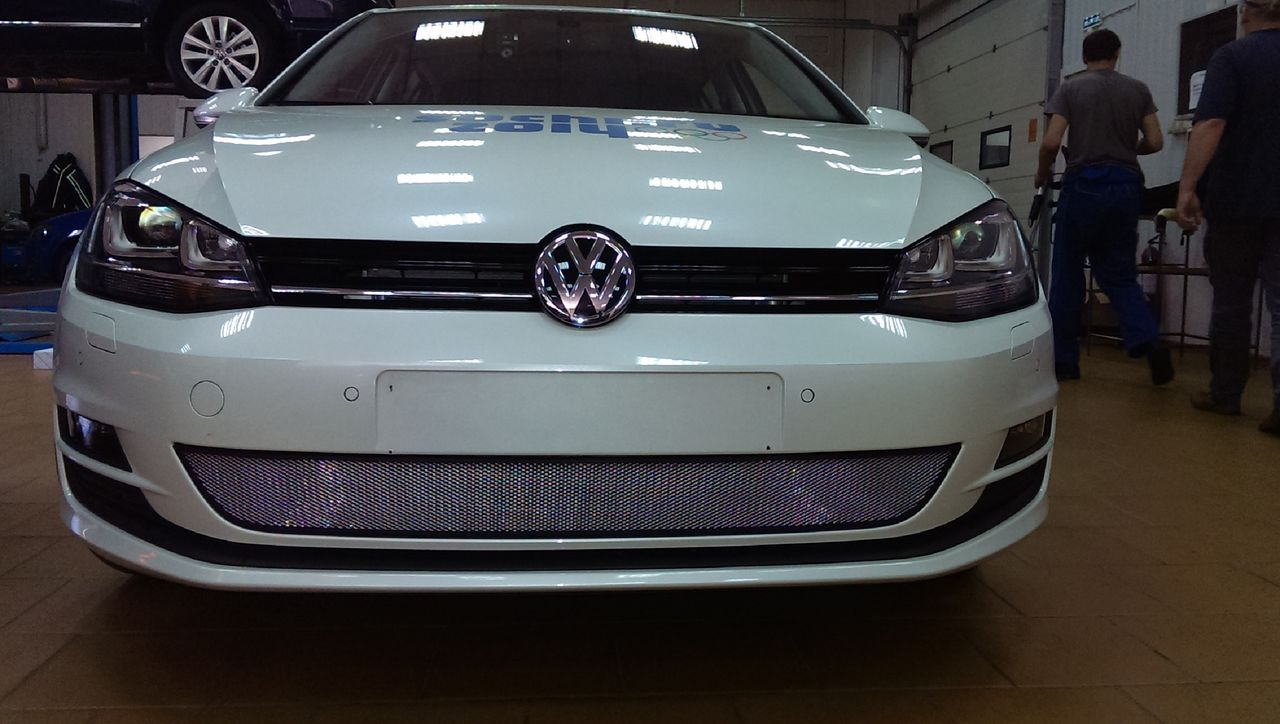 Защита радиатора Volkswagen Golf VII chrome