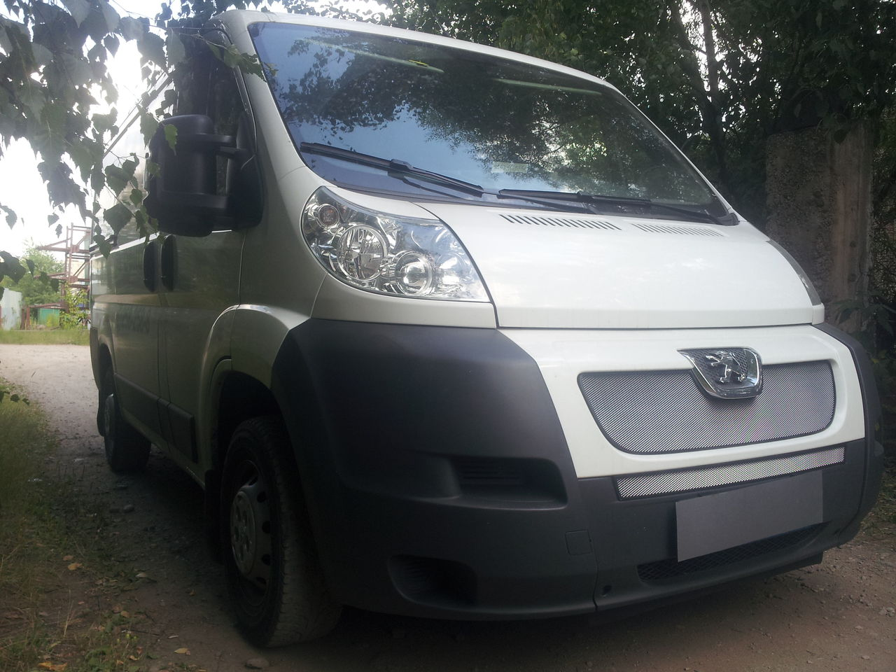 Защита радиатора  Peugeot Boxer 2006- chrome середина